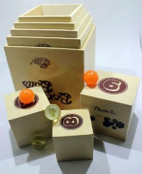 Настольная игра Fat Brain Toys Box & Balls