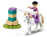 Конструктор Lego Friends Вишкіл коней і причеп, 148 деталей (41441)