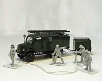 Сборные фигурки ICM Пожарная машина L1500S LLG и немецкие пожарные, IIМВ 1:35 (ICM35528)