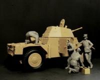 Сборные фигурки ICM Экипаж французского бронеавтомобиля, 1940 г. 1:35 (ICM35615)