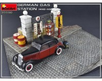 Сборная модель MiniArt Немецкая заправочная станция 1930-40 годов 1:35 (MA35598)