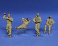 Сборные фигурки MiniArt танкового экипажа морской пехоты США на отдыхе 1:35 (MA37049)
