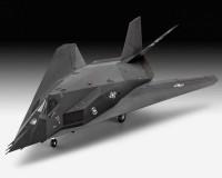 Подарочный набор Revell с моделью истребителя F-117A Nighthawk 1:72 (RVL-63899)
