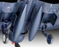 Подарочный набор Revell с моделью истребителя F4U-1B Corsaur 1:72 (RVL-63917)