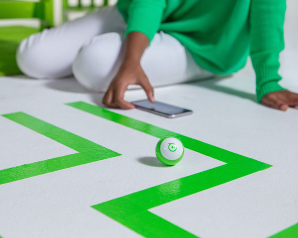 droid-orbotix-sphero-mini-green-3.jpg
