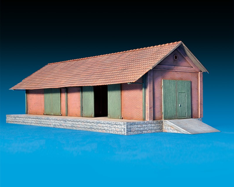 model-miniart-freight-shed-72-4.jpg