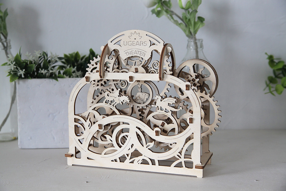 model-theater-ugears-5.jpg