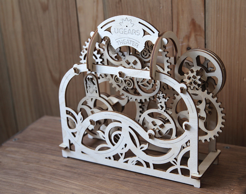 model-theater-ugears-6.jpg