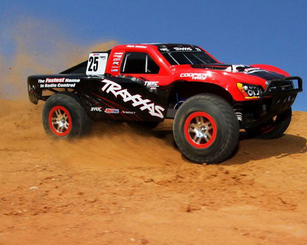 traxxas-slash-brushless-68086-4-mark-6.jpg