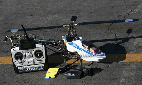 Модель вертолета T11 с 3.5 каналами управления и встроенным гироскопом...
